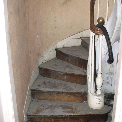 AV : Escalier avant travaux