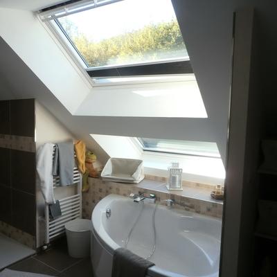 Salle de bain après rénovation - Vue 1